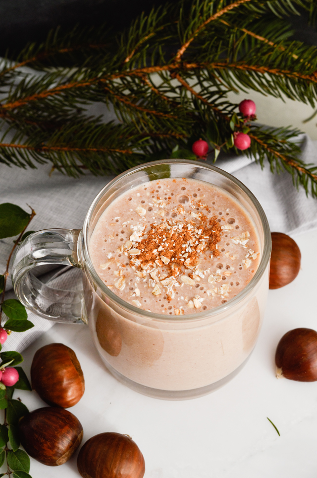 The perfect autumn alternative to hot cocoa - Chestnut choco oats smoothie. A filling, healthy smoothie with chestnuts, oats, cocoa.