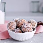 Recipe for Puffed quinoa date energy balls, packed with all the good stuff! Great healthy snack. | mitzyathome.com